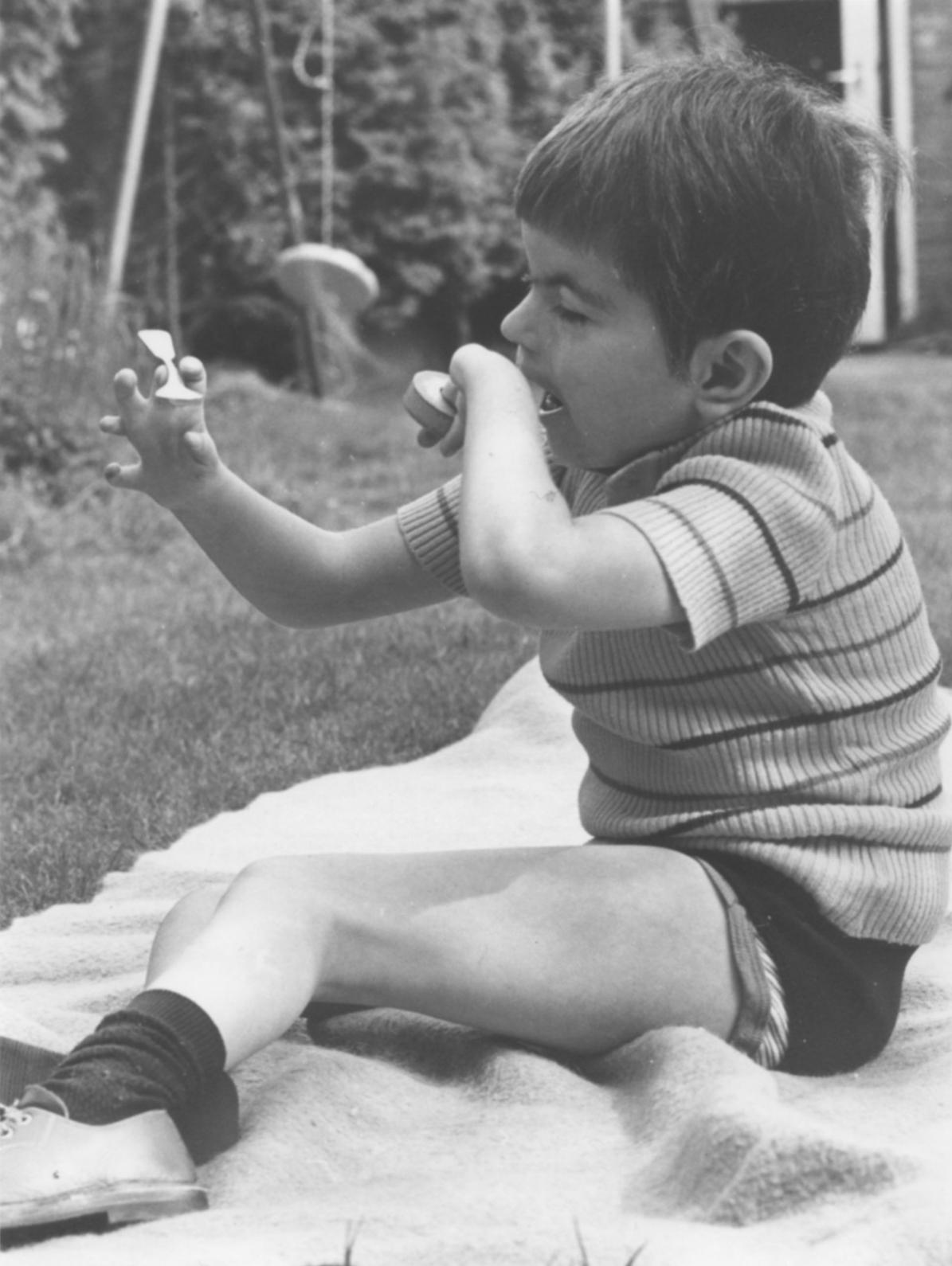 Zomer 1975 (?). Onze balanceerkunstenaar